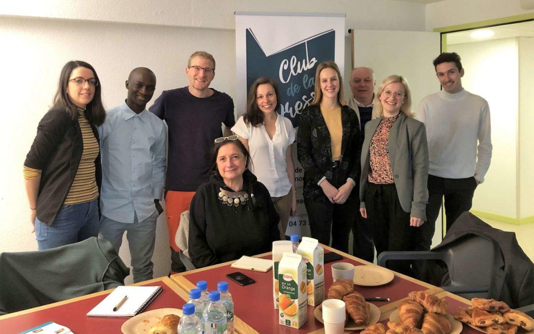 Des journalistes du Québec et de Guinée reçus au Club